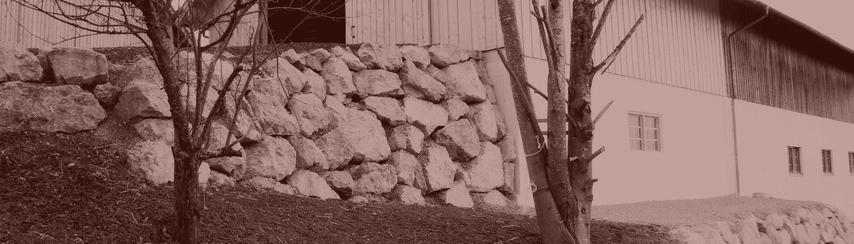 Naturstein-Steinmauer-Bagger-Aussen-2